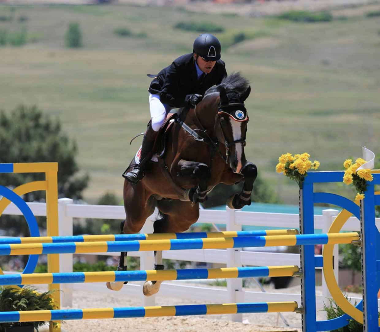 carino g jumping